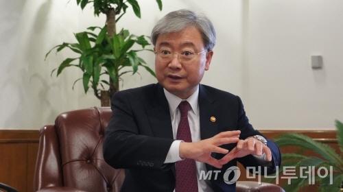 선발을 꿈꿨던 '마무리 투수' 김석동
