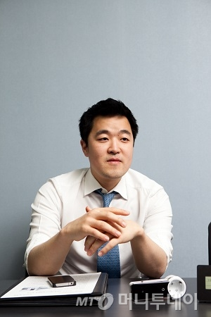 ↑김요한 툰부리 대표. 김 대표는 누구나 웹툰을 제작할 수 있는 환경을 제공하면 자연스럽게 모바일.인터넷 상의 소통이 더욱 활발해질 것으로 기대한다.