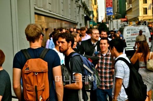 2011년 가을 뉴욕에서 열린 와이콤비네이터 행사에 참석하기위해 길게 늘어선 줄. <사진출처: 더넥스트웹(TNW)>