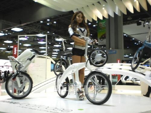 '만도풋루스' 전기자전거, 모터쇼 감성 자극