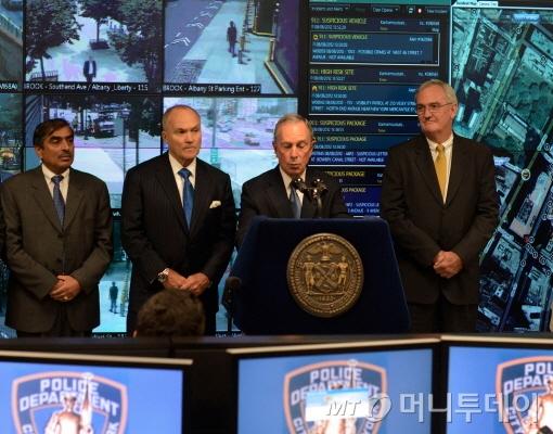 ↑ 지난해 8월 마이클불룸버그 뉴욕시장이 범죄예방시스템인 DAS를 발표하고 있다.
