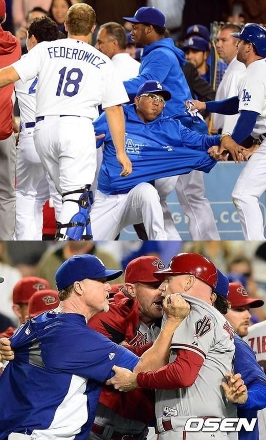 ↑다저스 선수들이 흥분한 벨리사리오를 말리고 있다(사진 위). 마크 맥과이어 다저스 타격 코치가 맷 윌리엄스 애리조나 3루 코치와 몸싸움을 펼치고 있다(아래). ⓒ 사진=OSEN