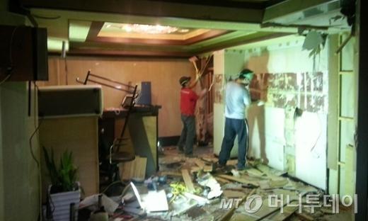 5일 철거된 성매매업소 '겐조'와 같이 강남경찰서 관내 학교 인근에서 운영되는 성매매업소만 14곳에 달했다. 이중 11곳이 철거 또는 업종전환 됐다. /사진=최우영 기자
