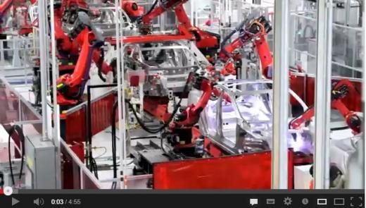 실리콘밸리의 전기자동차회사 테슬라모터스의 프레몬트 공장 내부 모습. /사진출처:와이어드 동영상 캡처