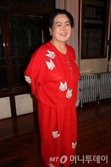 100여년된 목조주택 '수향'을 38년간 지킨 이유순 사장 / 사진 = 김유경 기자
