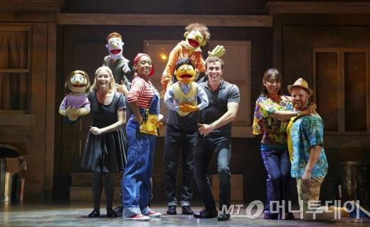 뮤지컬 '애비뉴Q'의 이번 첫 내한공연은 영국 제작사 GWB엔터테인먼트를 비롯해 한국의 설앤컴퍼니, CJ E&M, 롯데엔터테인먼트가 공동 기획·제작했다. /사진제공=설앤컴퍼니