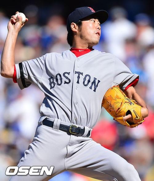↑ 보스턴 레드삭스의 마무리 투수 우에하라 고지. 38세라는 나이가 무색하게 전성기의 모습을 보여주며 보스턴의 월드시리즈 우승을 이끌었다. ⓒ사진=OSEN