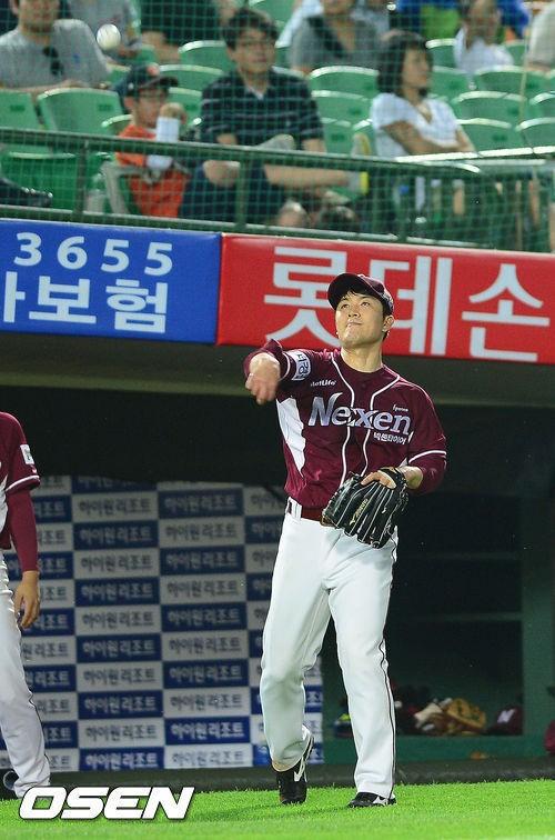 ↑22세에 월드시리즈 무대에 올랐던 '천재투수'김병현. 한국으로 돌아온 그는 넥센 히어로즈에서 재기를 꿈꾸고 있다. ⓒ사진=OSEN