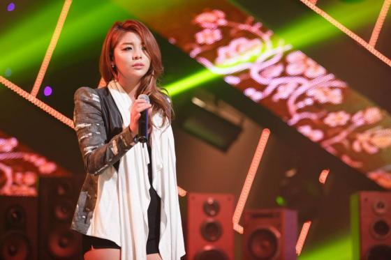 9일 오후 서울 마포구 상암동 CJ E&M센터에서 열린 케이블 채널 엠넷 '엠카운트다운' 사전녹화에 참여한 가수 에일리/ 사진=이기범 기자