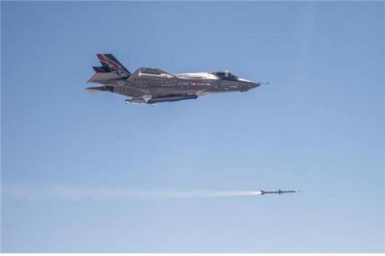 한일 차세대 전투기로 도입이 결정된 스텔스기 F-35A / 사진=록히드마틴 제공