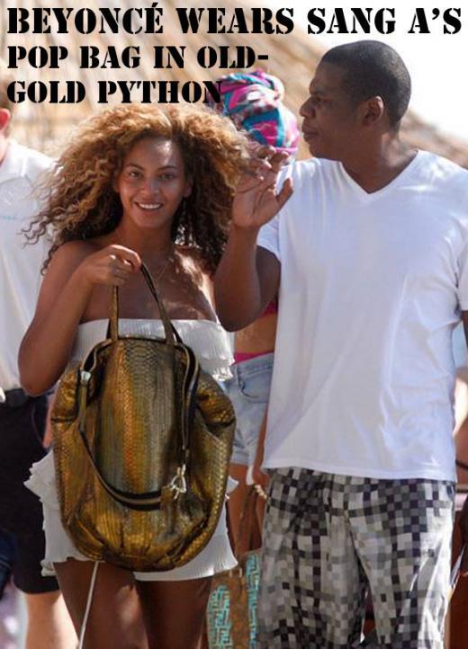 미국 가수 비욘세가 임상아씨의 브랜드 '상아'(SANG-A) 가방을 들고 있다/ 사진=가방 브랜드 상아 홈페이지