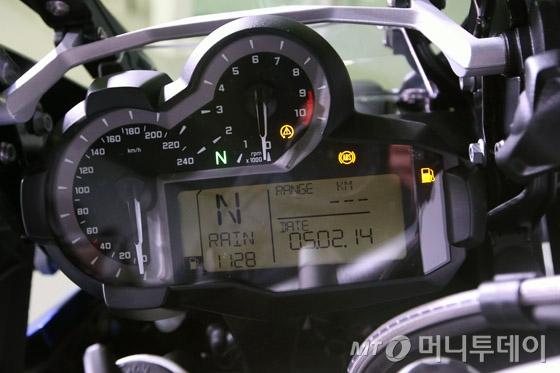 [사진]BMW모토라드 '뉴 R1200GS'의 전자식 계기판