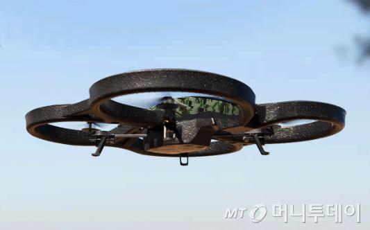 Parrot사의 AR. Drone 2.0 /사진=Parrot 홈페이지