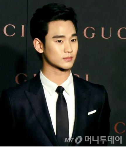 중국서 '몸값 급등' 김수현, 얼마나 버나 봤더니…