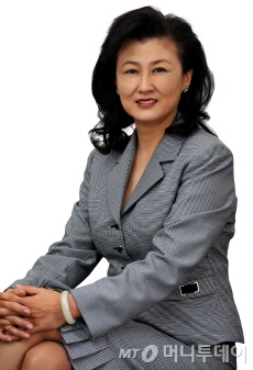 이건호 국민은행장에 이메일을 보낸 것으로알려진 셜리 위 추이 한국IBM 대표. /사진=한국IBM