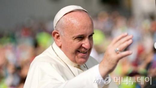 방한 사흘째인 프란치스코 교황이 16일 오전 124위의 순교자들이 천주교 복자로 시성되는 시복미사에 참석하고 있다. /사진=사진공동취재단
