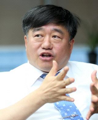 박희재 에스엔유 대표 겸 산업통상자원부 R&D전략기획단 단장 / 사진=홍봉진 기자