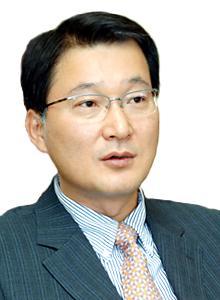김덕용 케이엠더블유 회장 / 사진제공=케이엠더블유