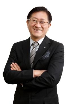 서경배 회장, 북한 영유아·임산부 지원에 10억원 기부