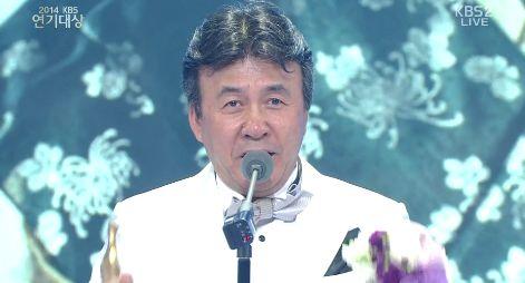 """아들 먼저보낸 박영규 """"세월호 가족 여러분, 용기 잃지 마세요!"""""""