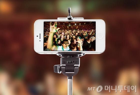 '셀카봉'의 위력? 강력해진 스마트폰 전면 카메라
