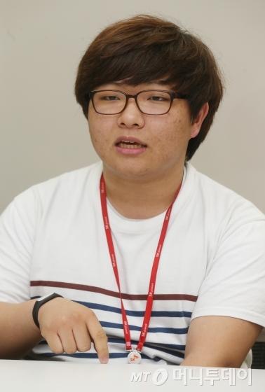 ↑노세호(19·선린인터넷고 졸업, SK플래닛 2015년1월 입사)씨<br /> /사진=이동훈 기자