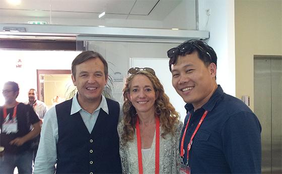 TED 기획자인 미국본사 크리스앤더슨 대표와 TEDx 디렉터 라라슈타인과 2011년 만난 송인혁 대표.