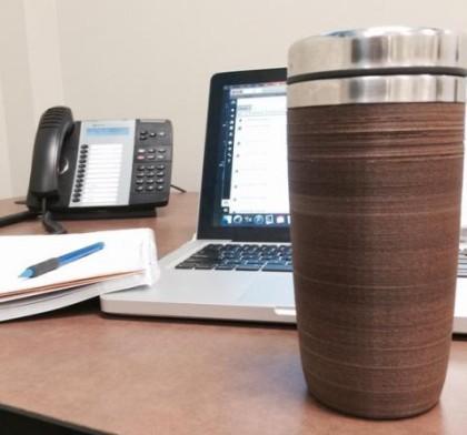 C2리뉴가 커피 찌꺼기를 재활용해 만든 커피잔