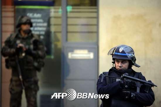 13일(현지시간) 발생한 파리 테러의 총책으로 알려진 압델하미드 아바우드가 18일 프랑스 경찰에 의해 사살됐다./AFPBBNews=뉴스1