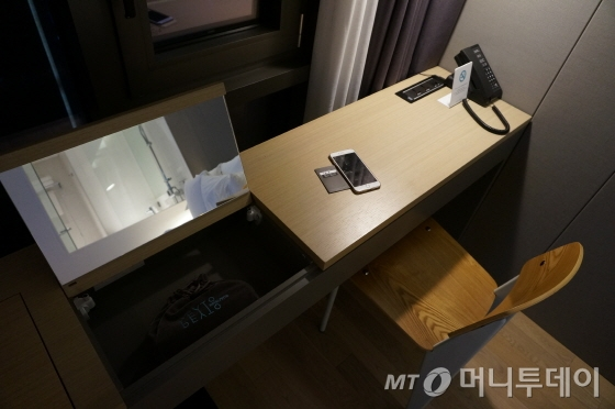 효율적 공간 활용을 위해 가구는 주문 제작했다/사진=이지혜 기자