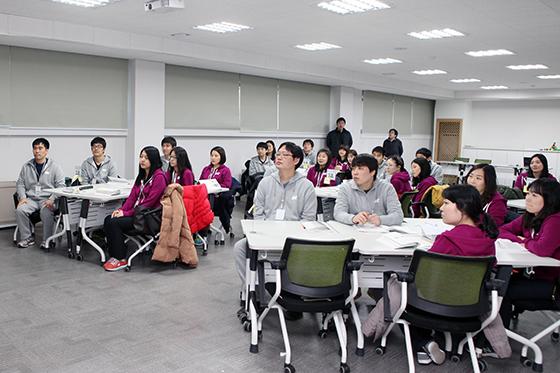 SH공사 신입사원들이 교육을 받고 있는 모습./사진제공=SH공사
