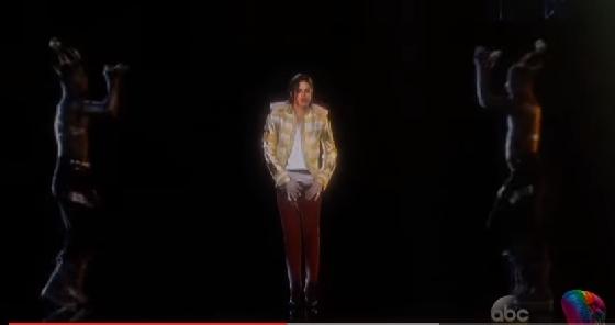 지난해 5월 미국 라스베가스에서 '2014 빌보드 뮤직 어워즈' 무대에 등장한 마이클 잭슨 홀로그램./사진=abc 캡처