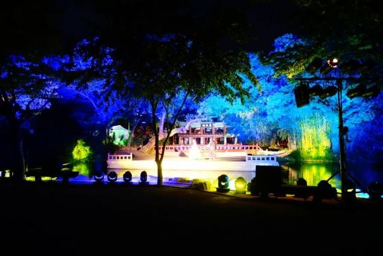 광한루에서 주말 저녁마다 펼쳐지는 창극 공연. 춘향이를 낳은 국악의 성지, 남원시가 운영하는 남원시립국악악단에서 재미난 공연을 이어가고 있다. /사진=김유진 기자