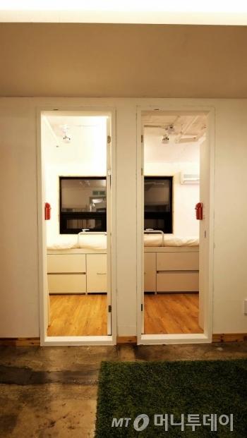 3인실 내부 공간. 개인방을 제외하고 거실, 화장실, 샤워실, 발코니 등이 있다./사진제공=선랩
