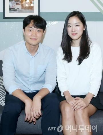 미국 학생과 한국 어르신을 연결해 한국어 수업을 진행하는 'SAY 프로젝트'를 만든 조용민씨(왼쪽)와 조연정씨/사진=김휘선 인턴기자