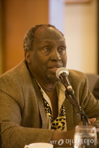 케냐 작가 응구기 와 시옹오는 25일 연세대학교에서 '케냐와 한국의 문학적 연대'를 주제로 강연을 펼쳤다. /사진제공=토지문화재단