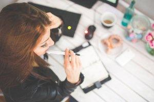 건조한 사무실 안…촉촉한 피부 유지하는 방법은?