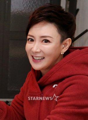 배우 이상아 세번째 이혼…