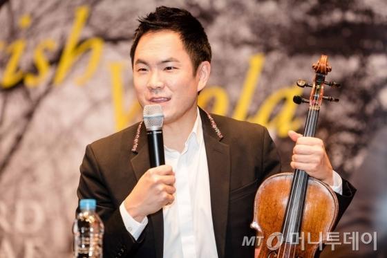 리처드 용재 오닐이 19일 4년만의 정규앨범 '브리티쉬 비올라'를 발매했다. /사진제공=유니버설뮤직