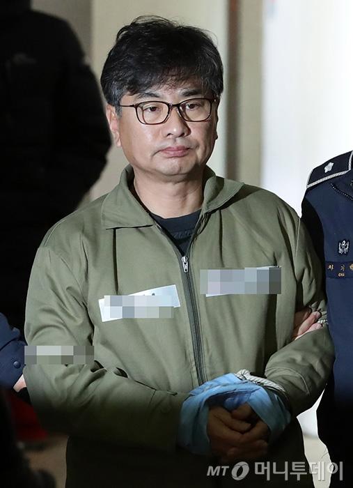 [사진]신동철 전 청와대 정무비서관 특검 소환