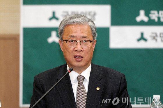 """유성엽 """"국정 역사교과서 폐지법 처리하겠다"""""""