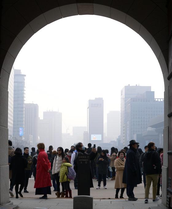 [내일 날씨] 강원영서·중부 오전까지 눈…전국 미세먼지 나쁨