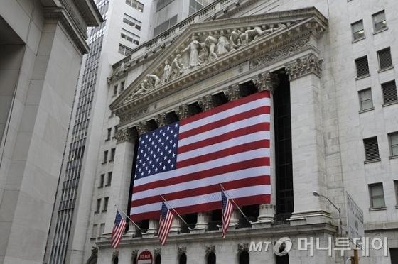[뉴욕마감]트럼프 '불확실성'에 일제 하락…다우 0.3%↓
