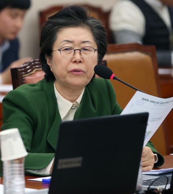 20일 이은재 바른정당 간사가 국정교과서 금지법 통과와 관련해 입장을 밝히고 있는 모습. /사진=뉴스1.