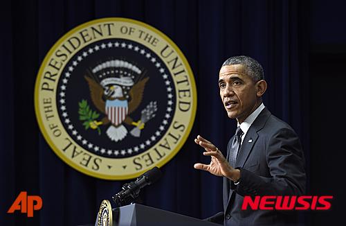 전임 미국 대통령 오바마의 정치적 유산들은 트럼프 대통령의 행정명령들에 의해 거의 폐기될 위험에 처했다. /사진=뉴시스,AP.