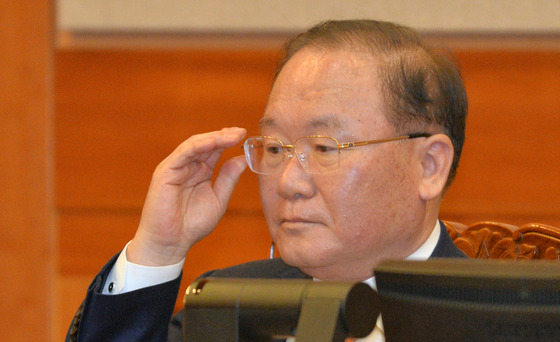 박근혜 대통령측 법률대리인단에 새로 합류한 이동흡 전 헌법재판관 /사진=뉴스1