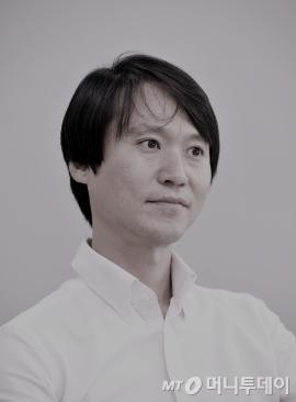 """[광화문]서른살 헌법의 푸념 """"작년엔 뭐했슈?"""""""