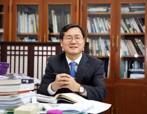 한공식 국회운영위원회 수석전문위원