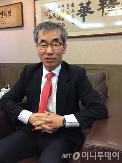 윤철호 신임 대한출판문화협회 회장. /사진=김고금평 기자<br />