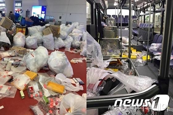 지난달 제주국제공항 국제선 대합실(왼쪽)과 버스(오른쪽) 안이 쓰레기로 뒤덮여 있는 모습. 해당 쓰레기는 공항 내 면세품 인도장에서 물품을 수령한 중국인 관광객들이 부피를 줄이기 위해 무단으로 투기한 포장지 등이 주를 이뤘다./사진=뉴스1, 페이스북